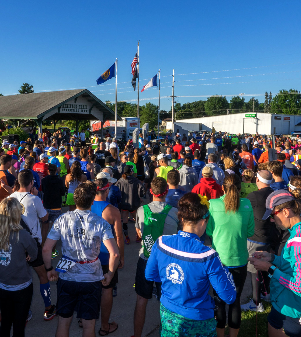 Runners at the start of Run4Troops event