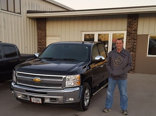 Monticello Iowa Chevy truck dealership